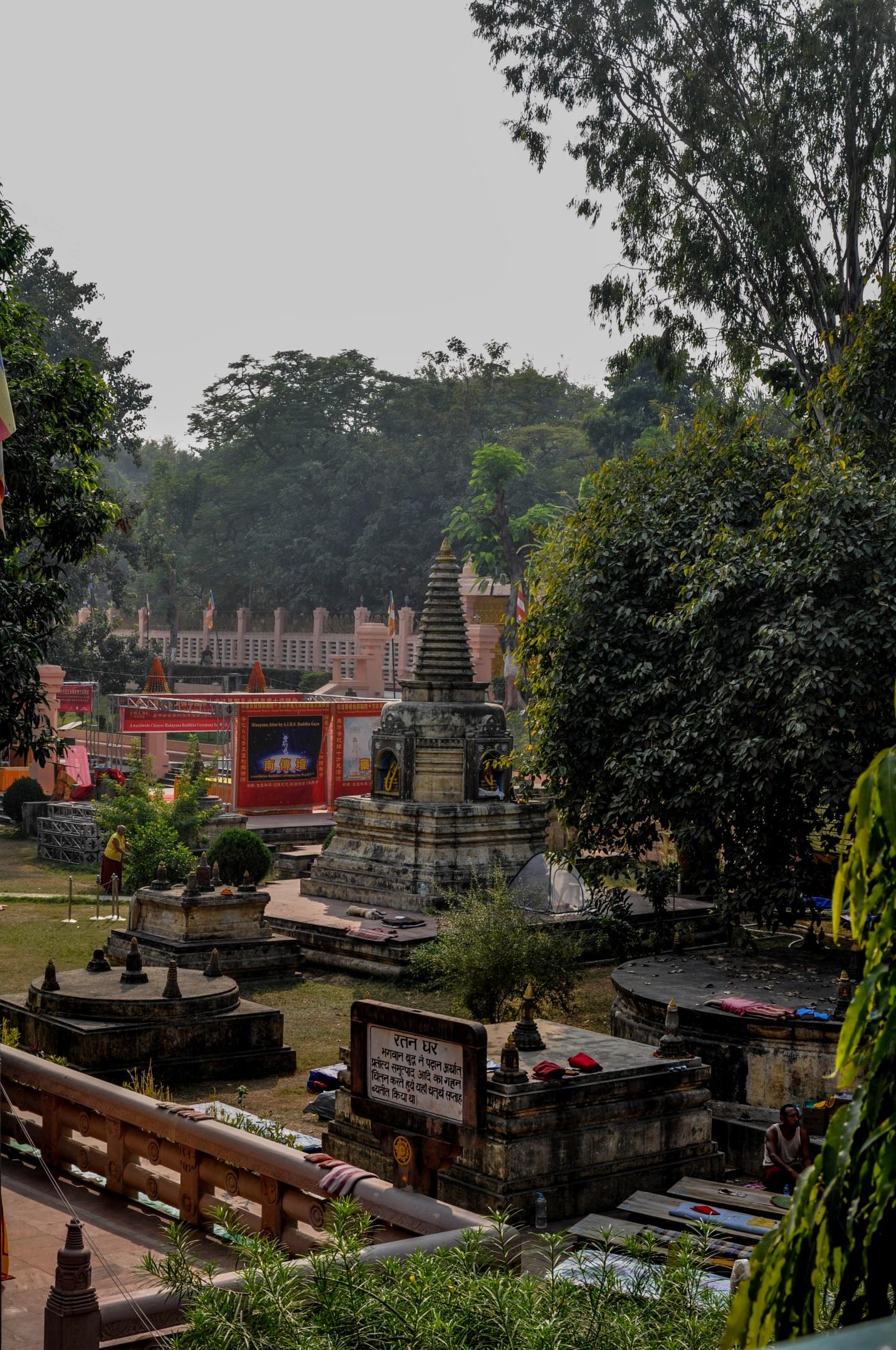 ступы в храме Махабодхи, Бодхгая, Индия