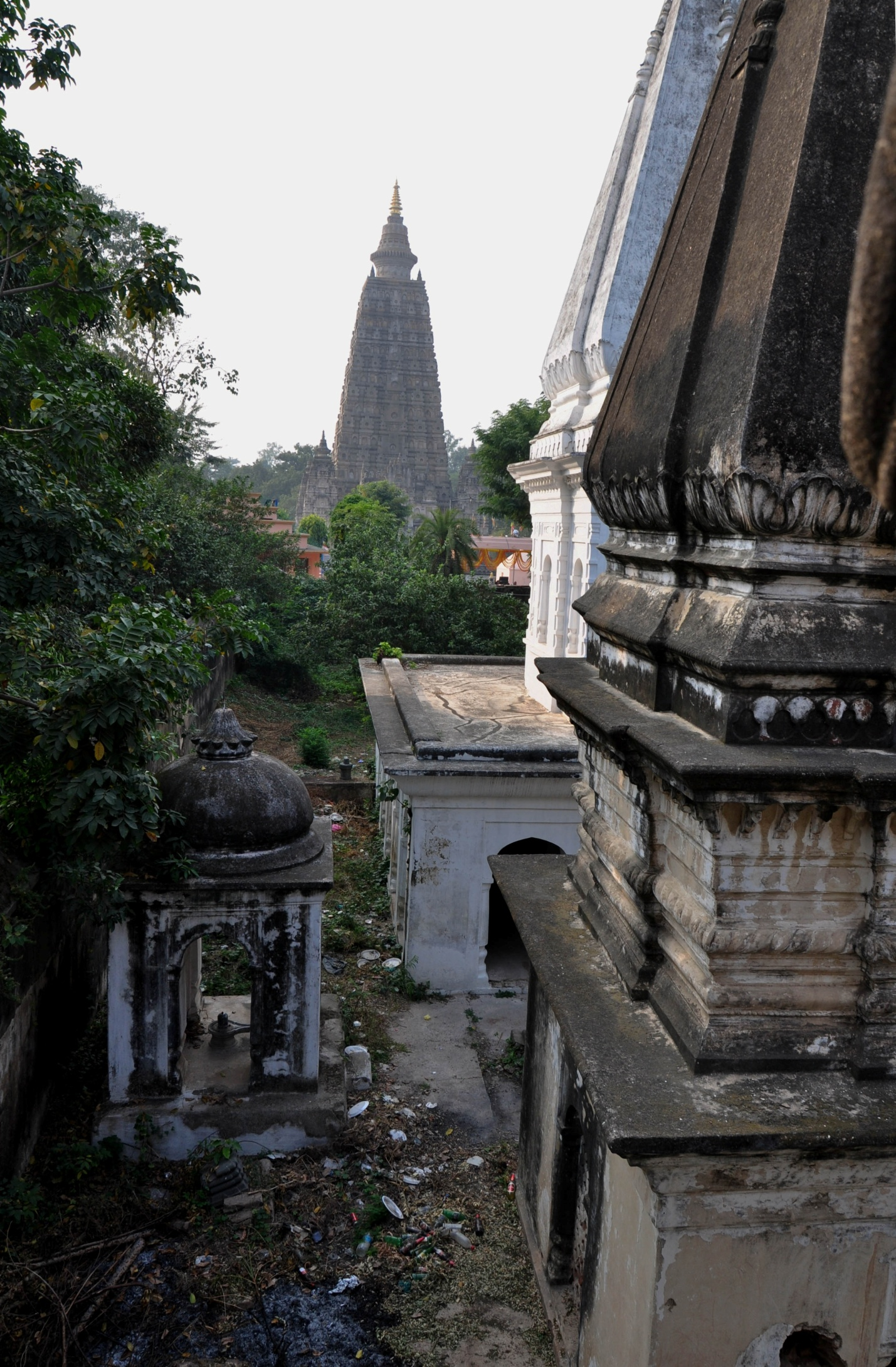 Вид на Махабодхи, Бодхгая, Индия