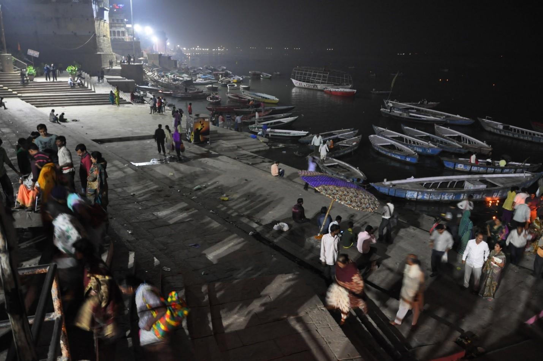 Набережная в Варанаси ночью, Индия