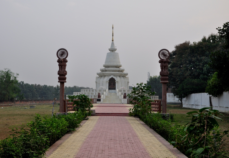 храм в Сарнатхе, Индия