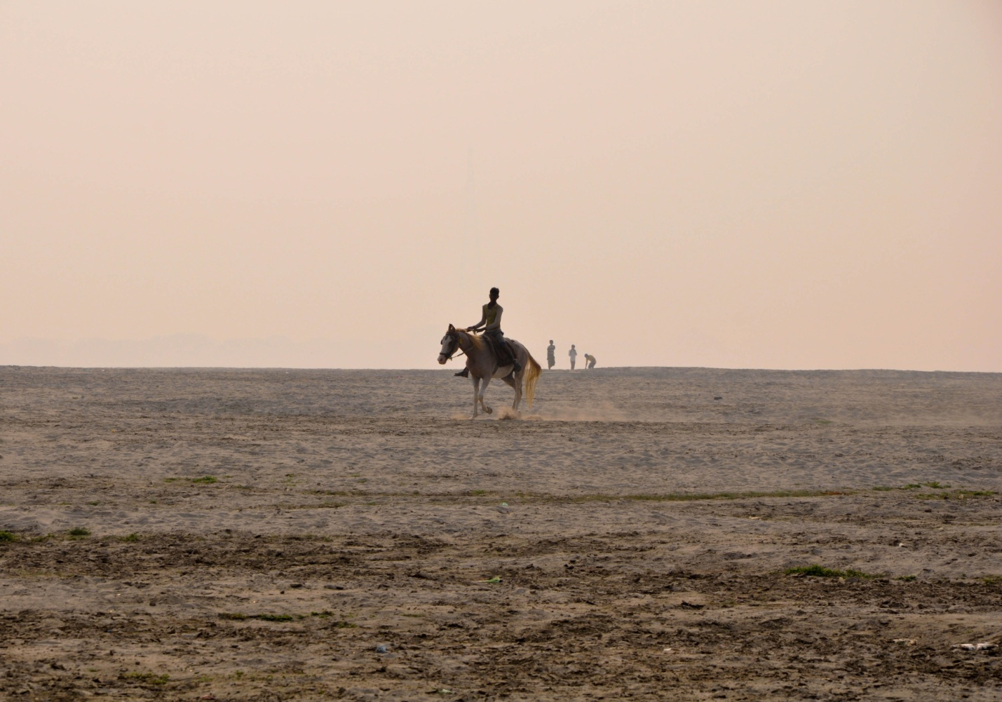 противоположный берег реки Ганг, Варанаси, Индия
