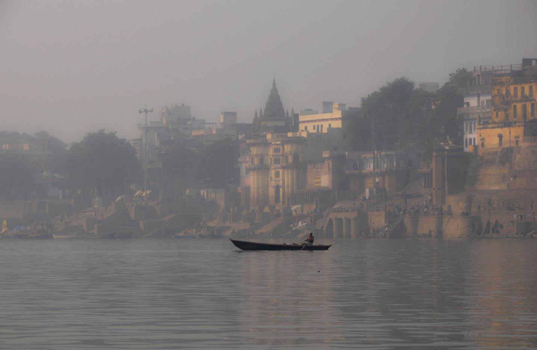 река Ганг и набережная Варанаси, Индия