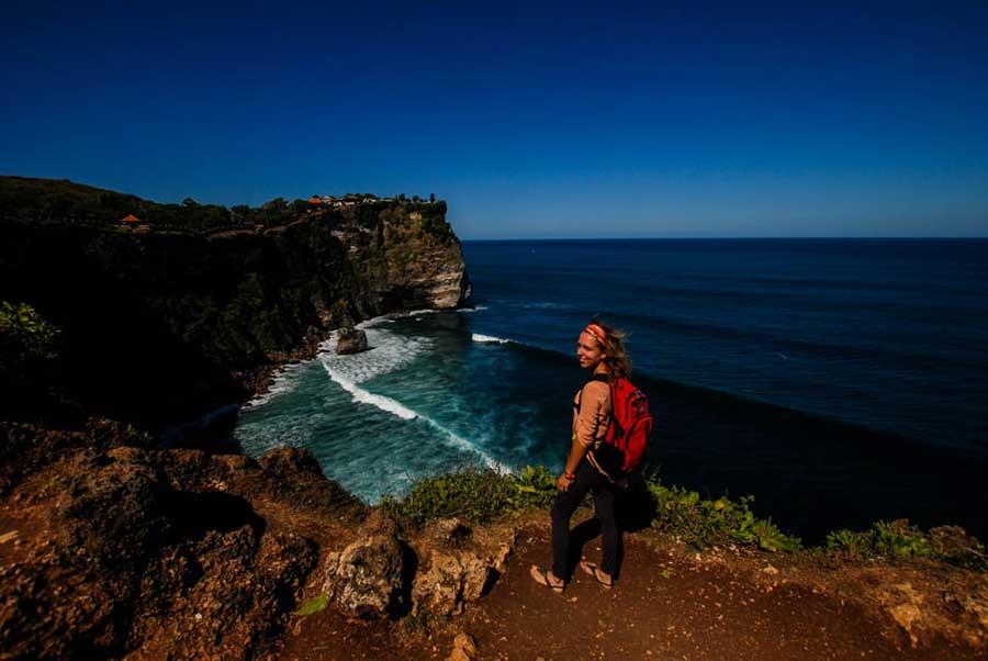 Океан и скалы на Бали