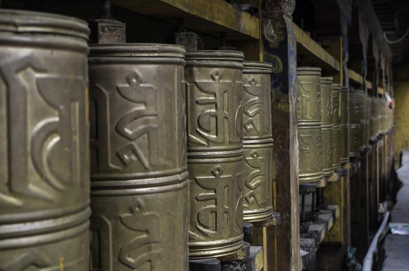 Молитвенные барабаны в Лхасе