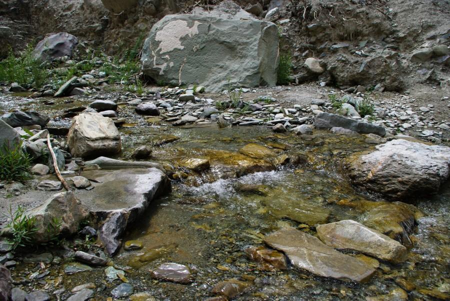 Горная речка в Гималаях, Индия