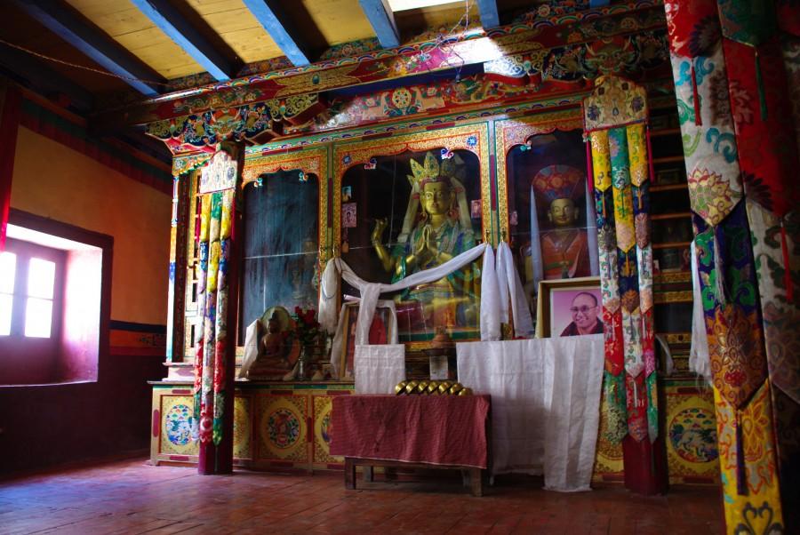 Внутри монастыря, Гималаи, Индия