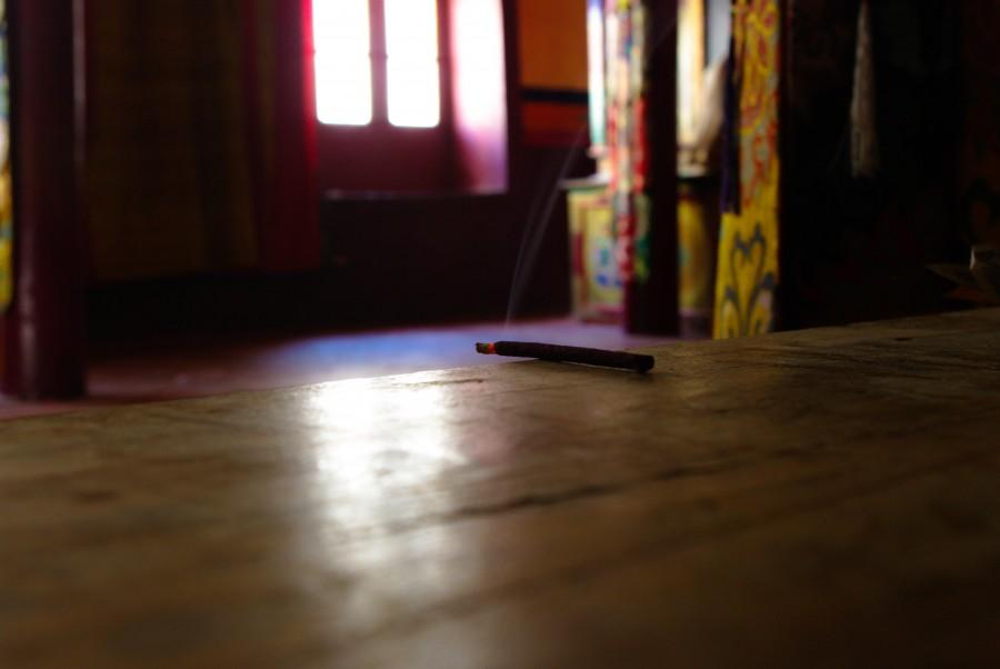 Благовонья в храме, Гималаи, Индия