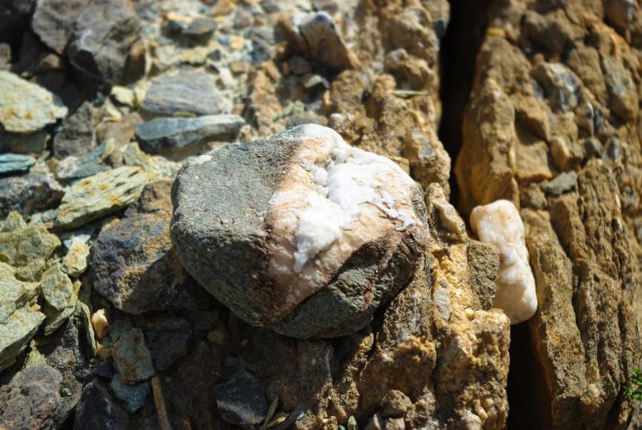 Интересный камень