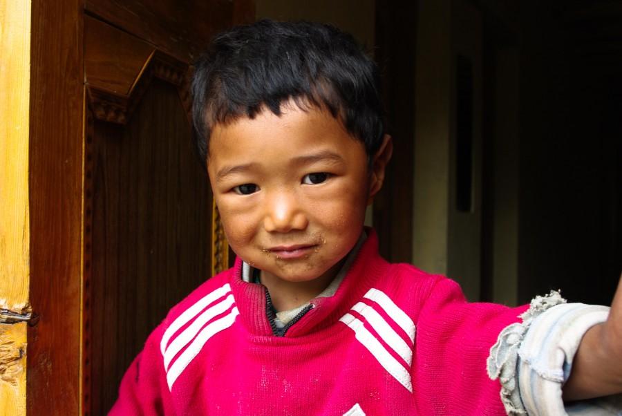 Ребенок в Гималаях, Индия