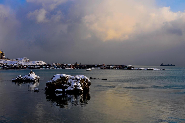 Зимнее Черное море в Крыму, Керчь