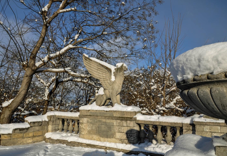 Скульптура на лестнице на горе Митридат, Керчь, Крым