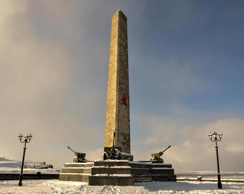 Обелиск славы 1944 года на горе Митридат, Керчь