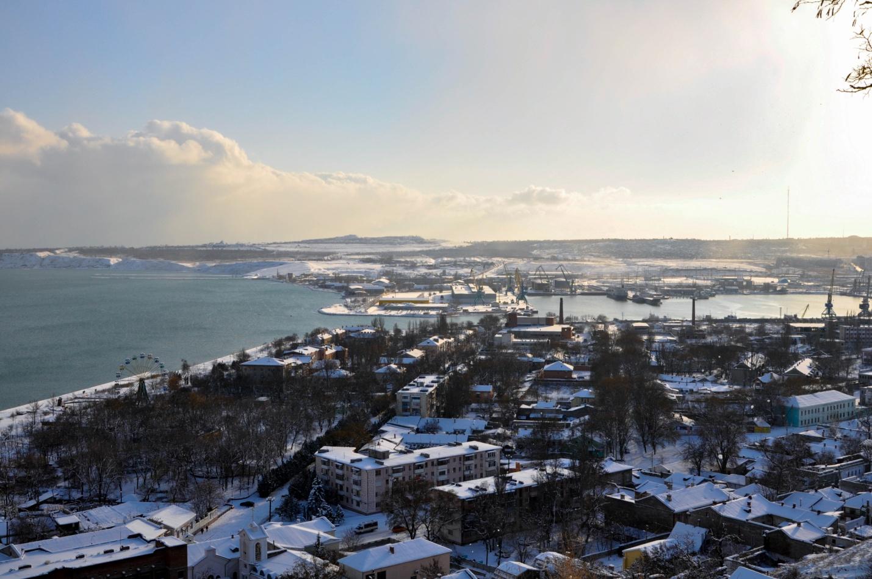 Панорама зимней Керчи, Черное море, Крым