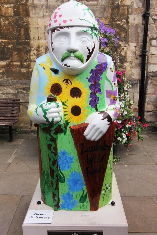 Статуя барона в Линкольне, Англия