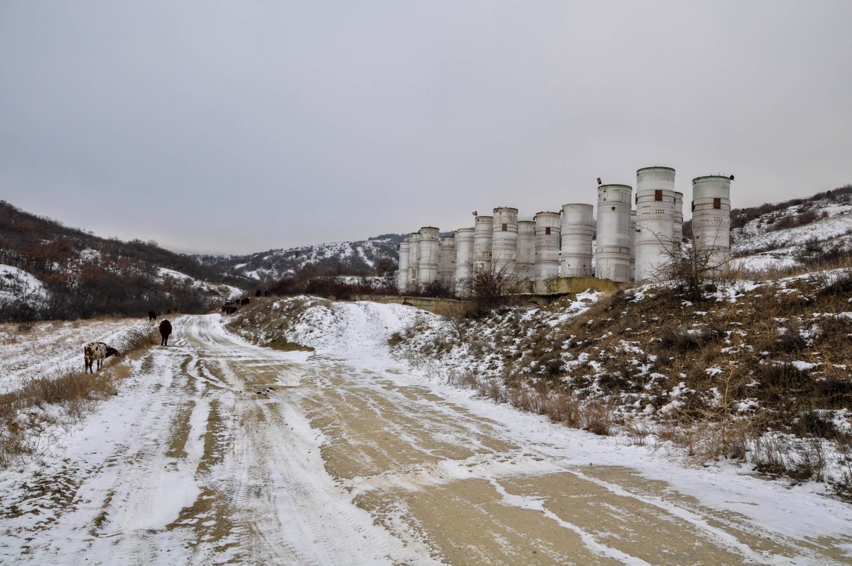Заброшенное сооружение в Крыму
