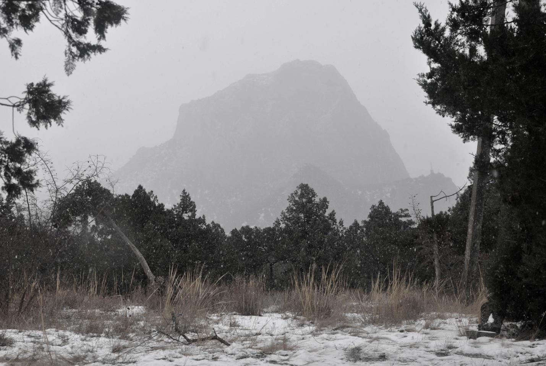 Снегопад и пейзаж в Новом Свете, Крым