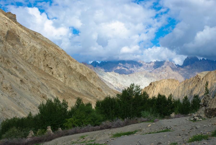 Горные пейзажи в Гималаях