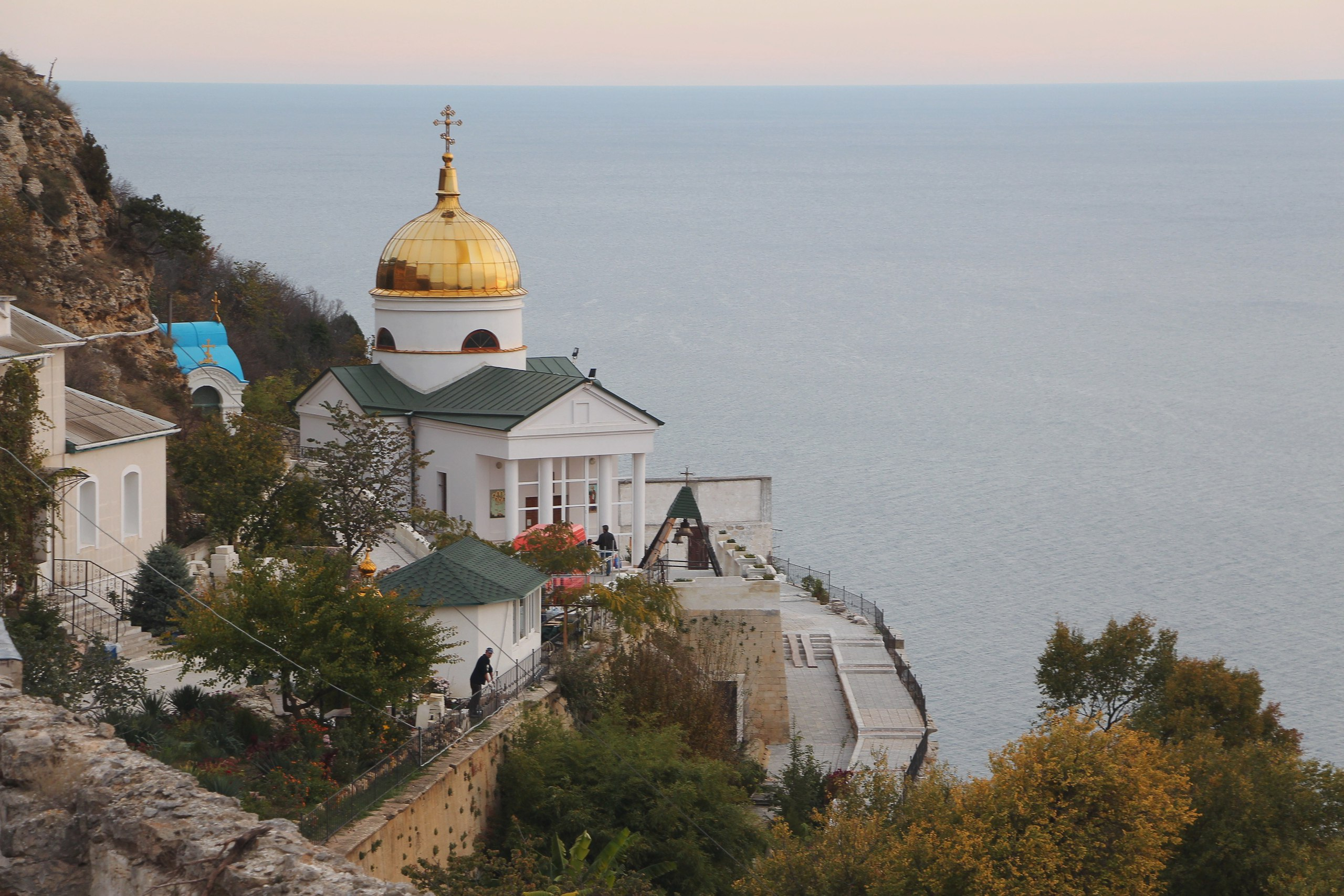 Церковь у моря