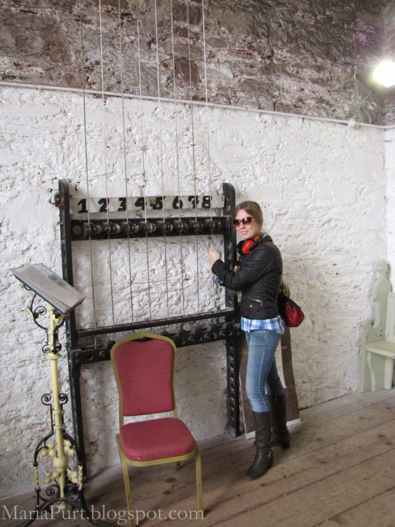 Играть на колоколах в церкви, Корк, Ирландия