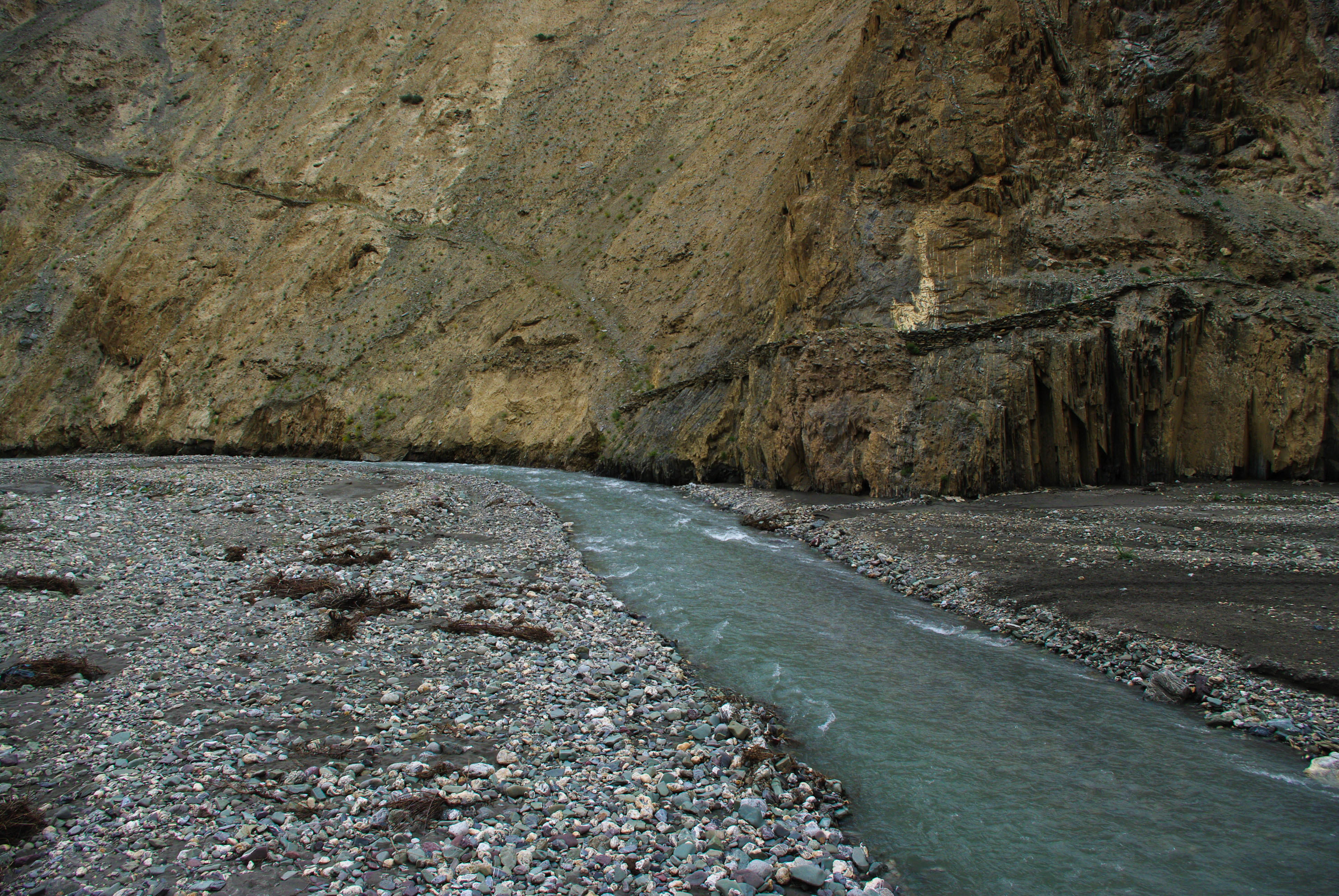 Горная река в Гималаях