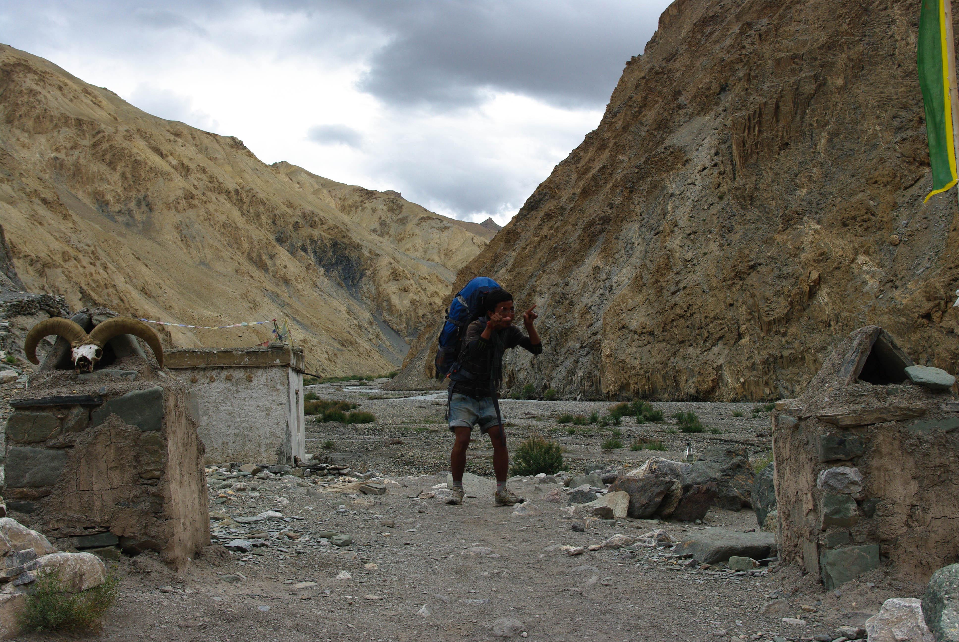 Носильщик в Гималаях