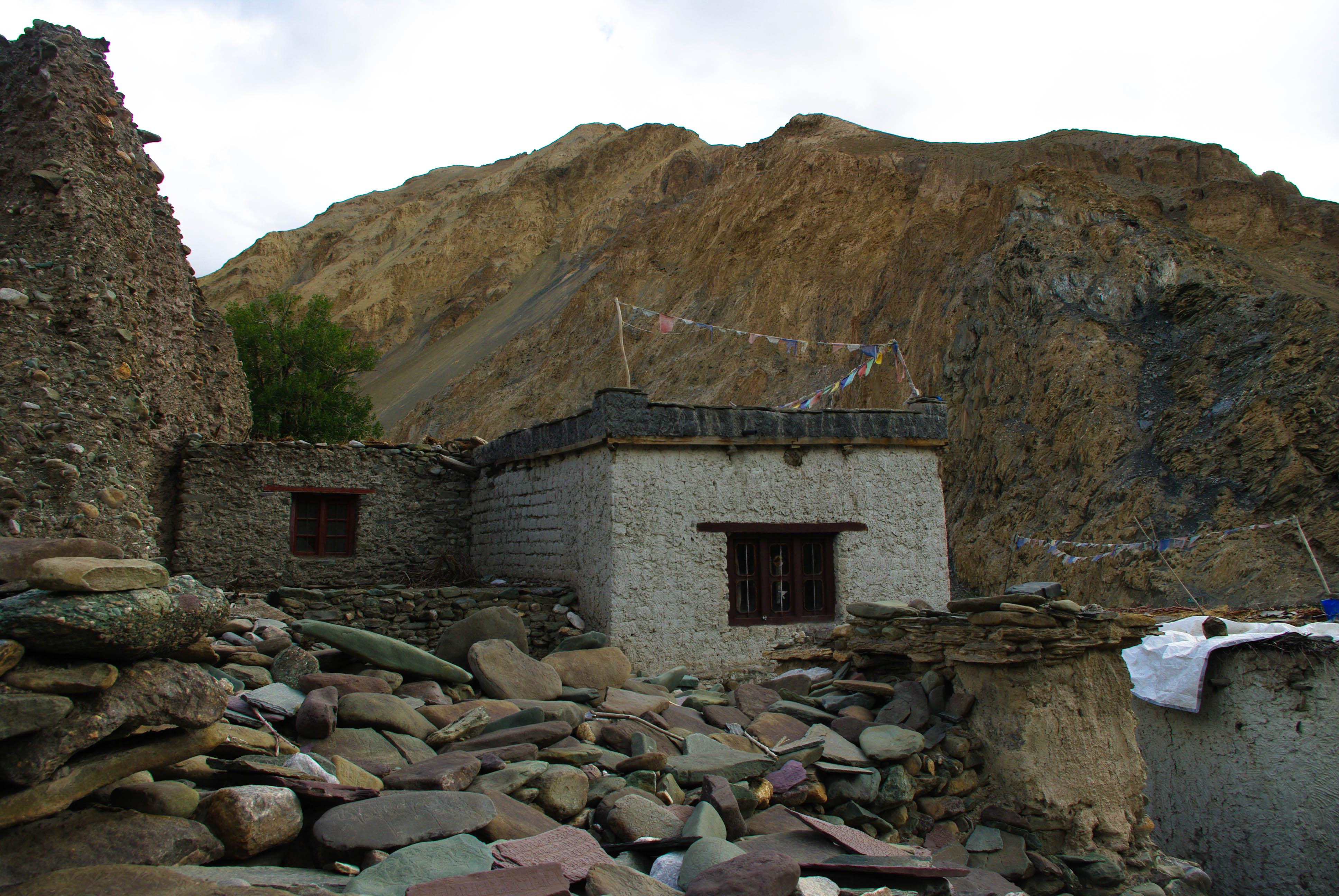 Постройки в горах Тибета