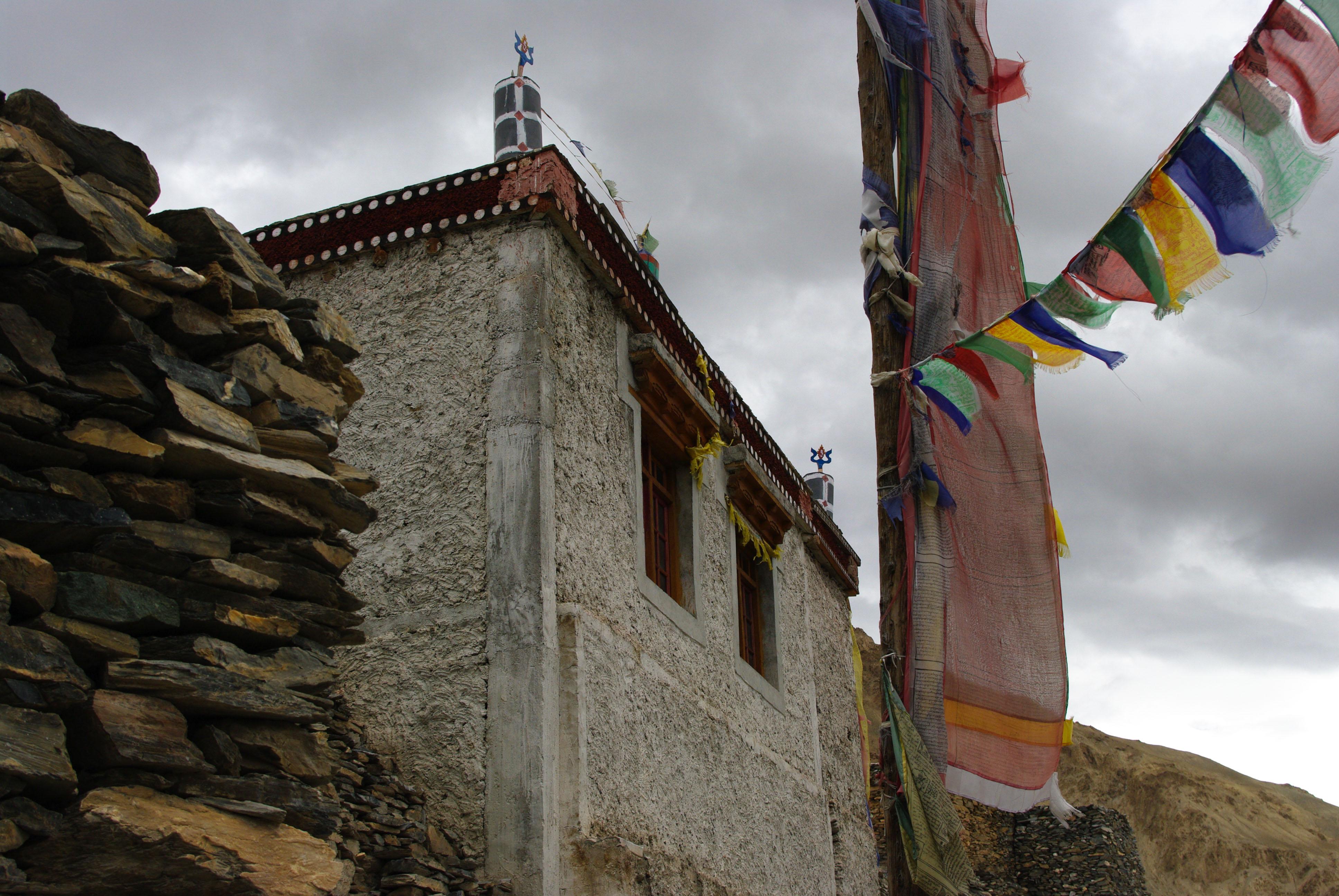 Монастырь в Гималаях