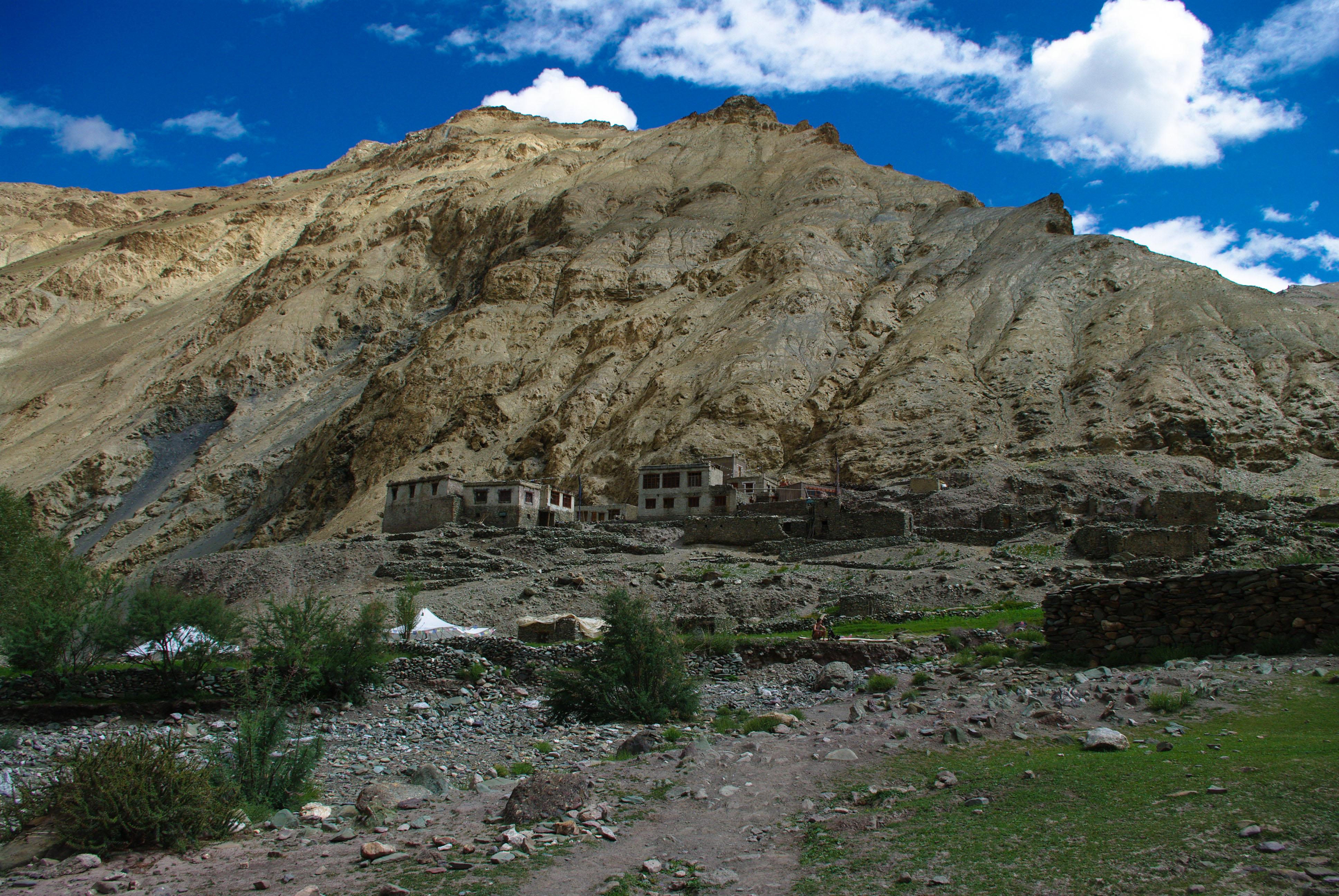 Деревня Umlung в Гималаях