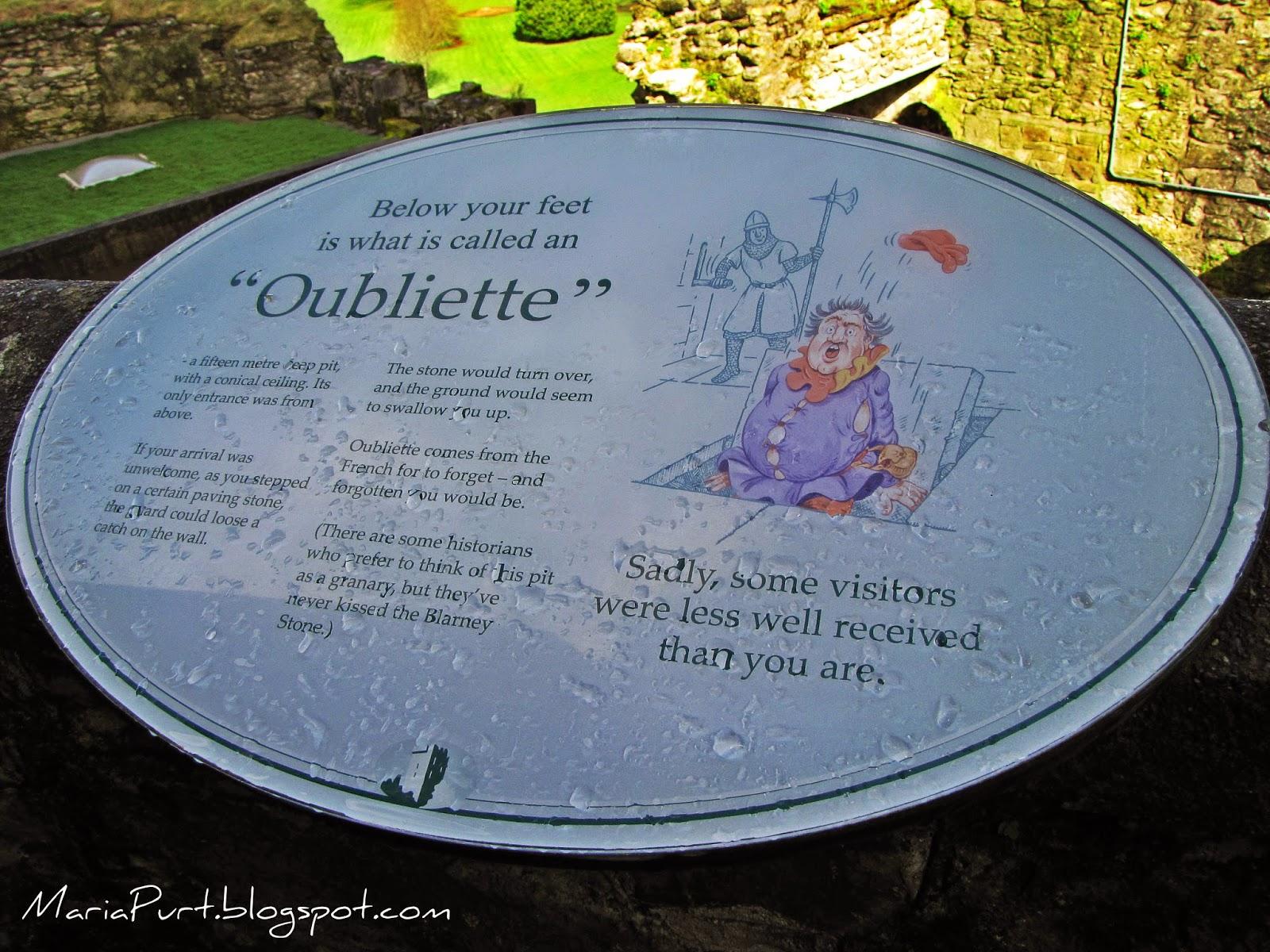 Табличка на входе в замок Бларни, Ирландия