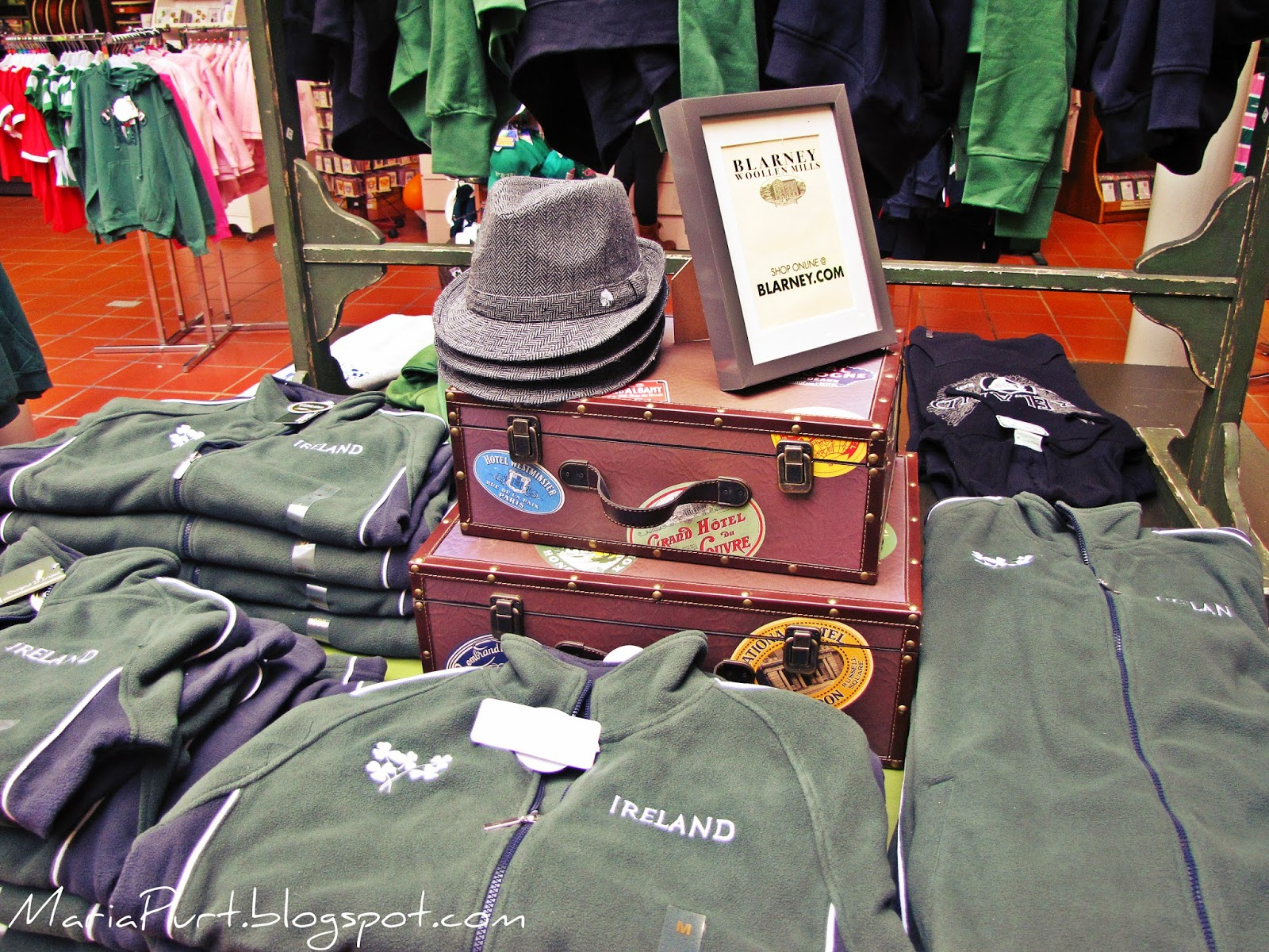 Одежда в самом большом Ирландском магазине в мире
