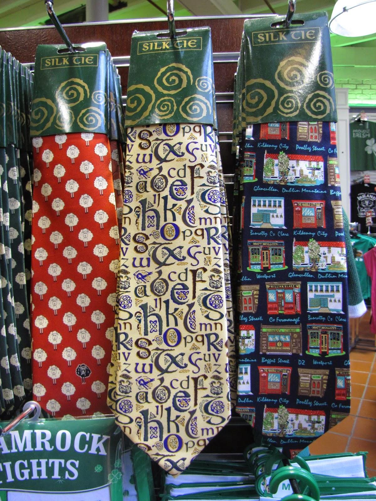 Галстуки в самом большом Ирландском магазине в мире