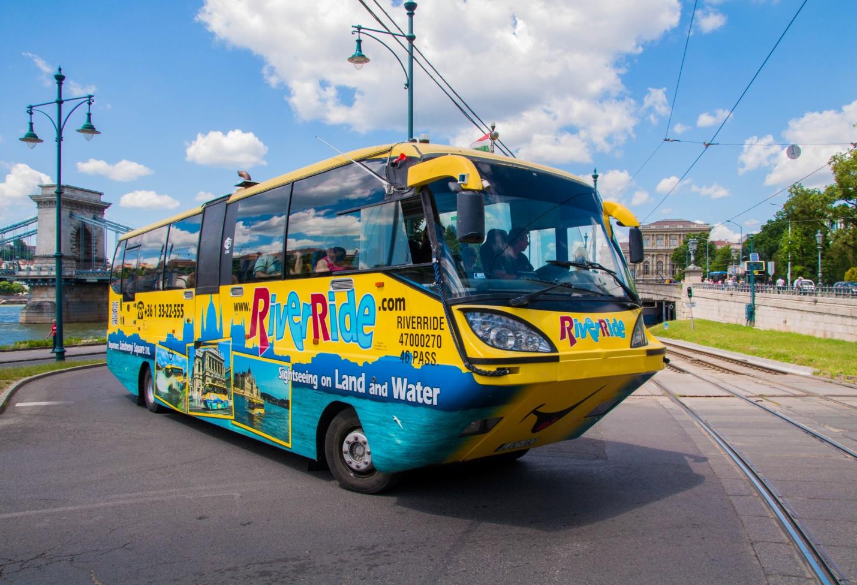 Туристический автобус-амфибия в Будапеште