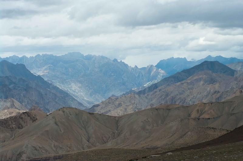 Красивый горный пейзаж в Гималаях
