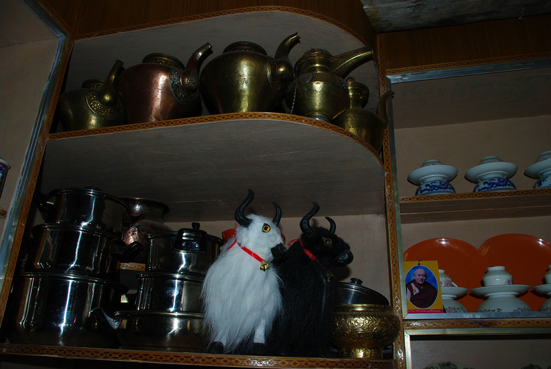 Посуда у местных жителей в Гималаях