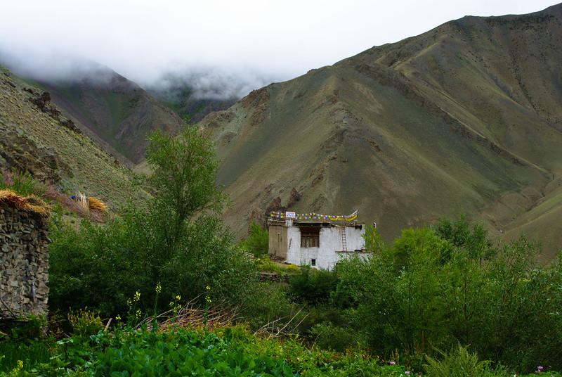 Дом в Гималаях