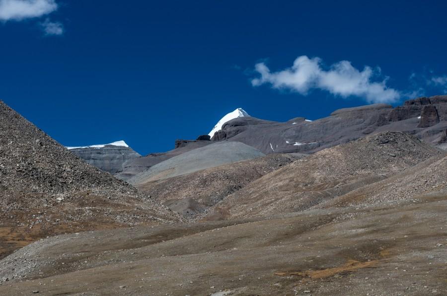 Горы, снежные вершины