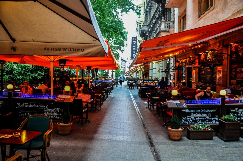 Уличные кафе в Будапеште