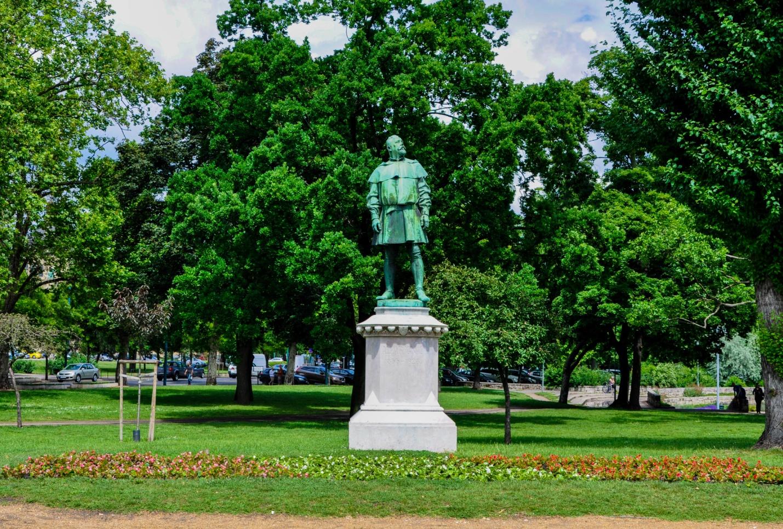 Памятник Игнацу Альпару, Будапешт, Венгрия