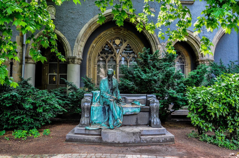 Памятник венгерскому военачальнику, Будапешт