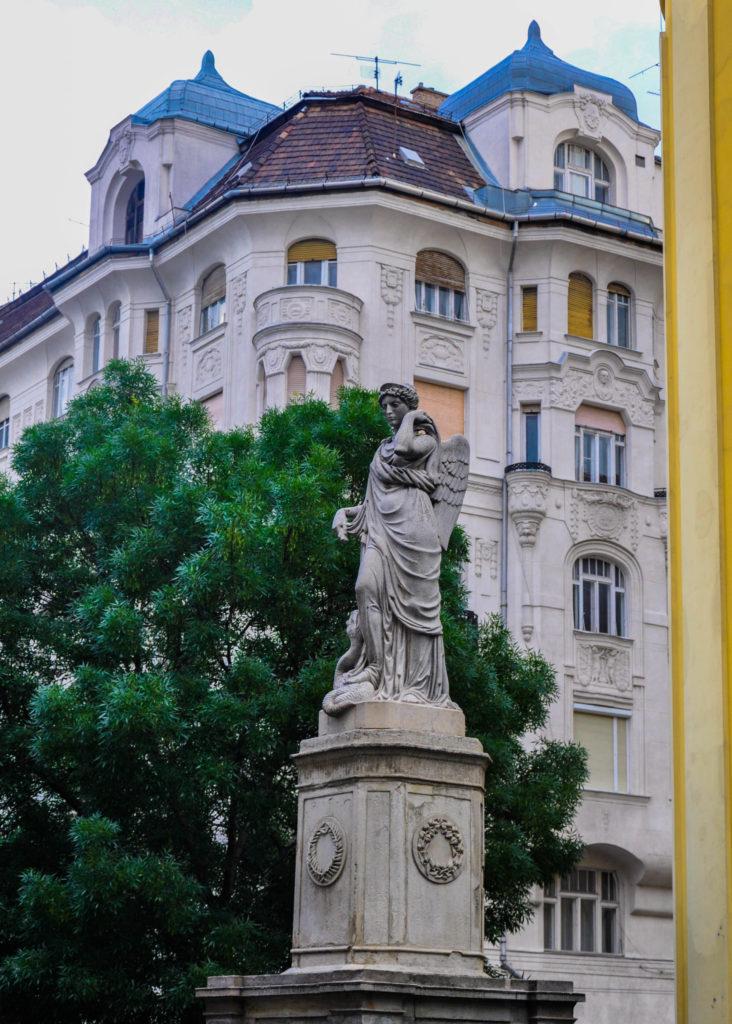 Памятник в Будапеште