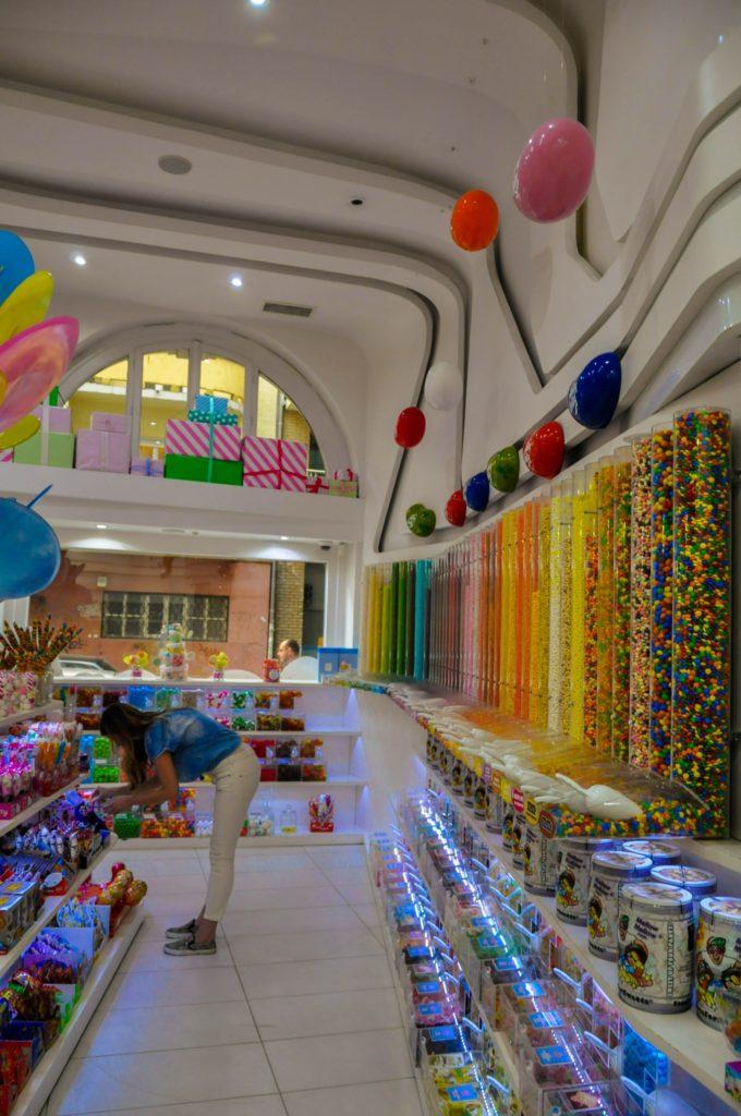 Большой магазин сладостей в Будапеште