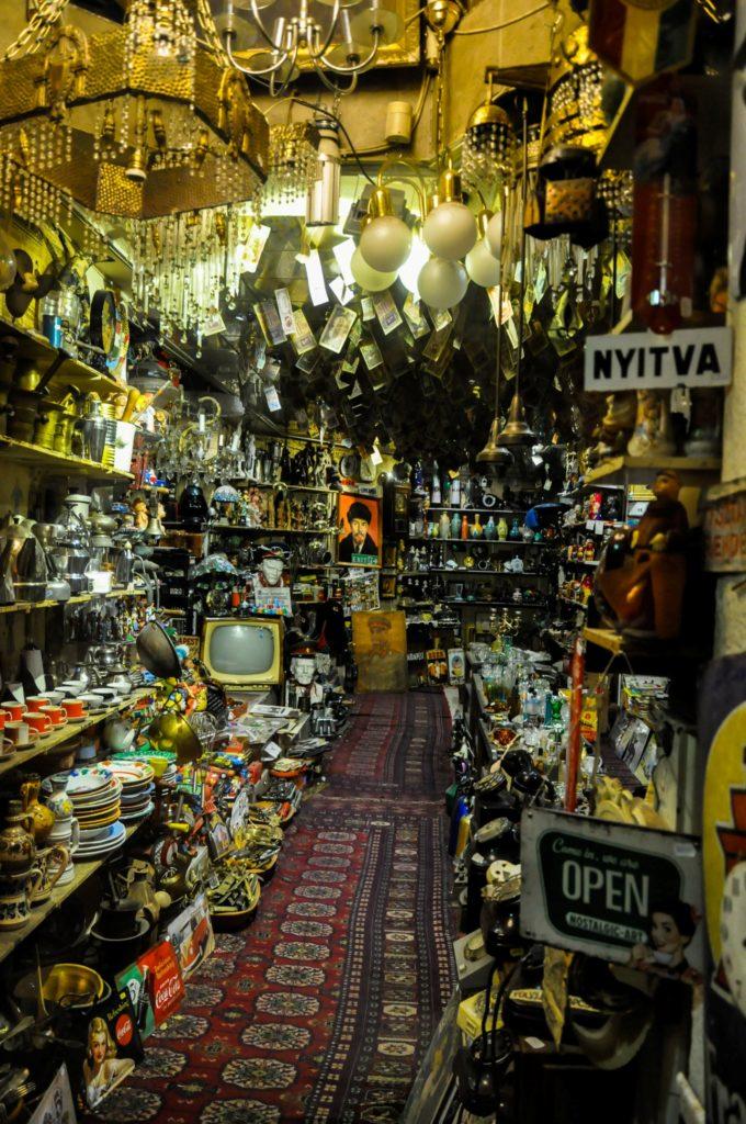 Антикварный магазин в Будапеште, Венгрия