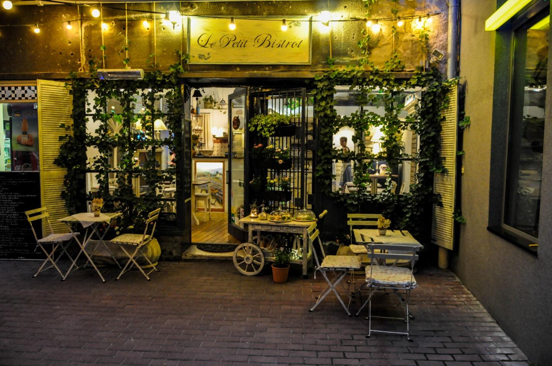 Милая уютная кафешка в Будапеште, Венгрия