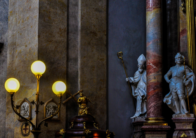 Интерьер внутри Церкви Святого Петра в Вене, Австрия