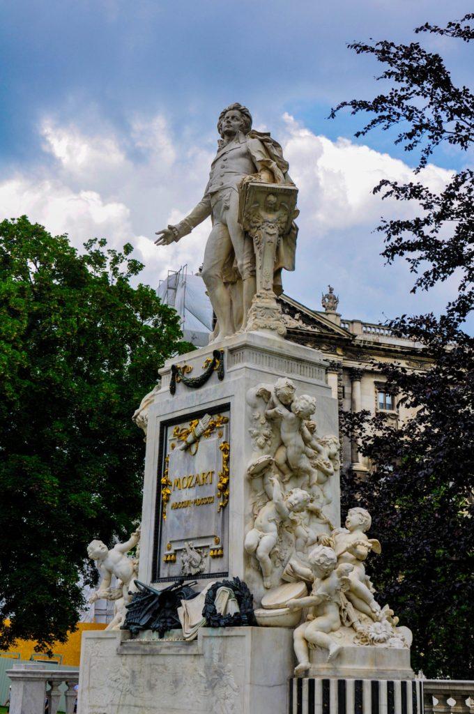 Памятник Моцарту в Вене, Австрия