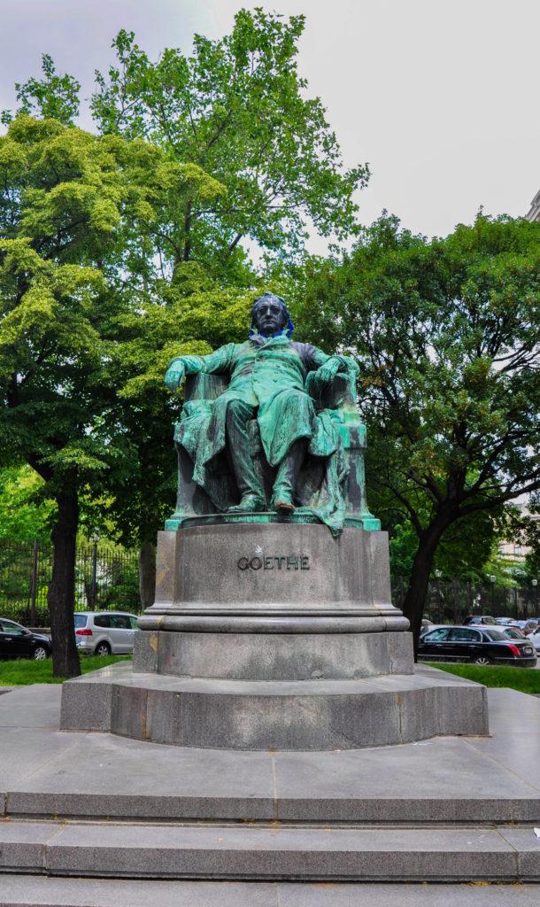 Памятник Гёте в Вене, Австрия