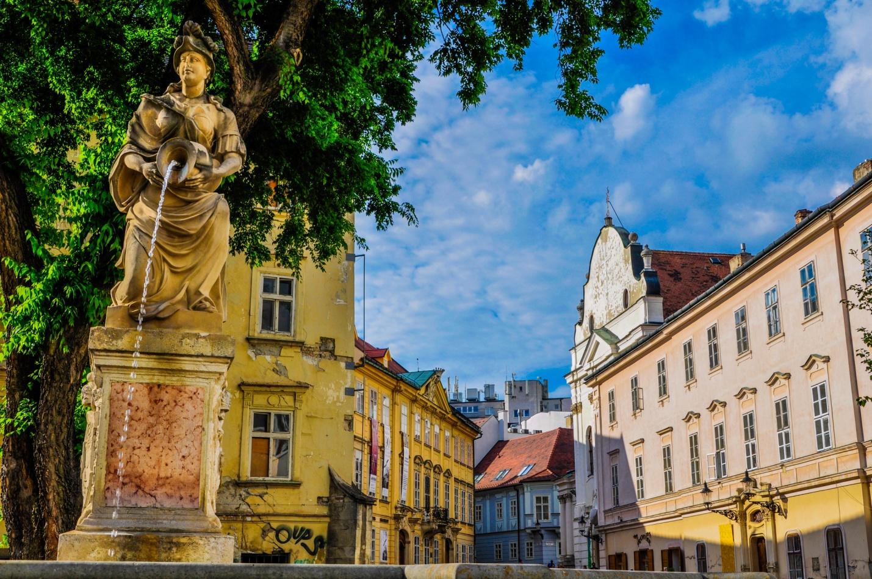 Фонтан Роланда в Братиславе