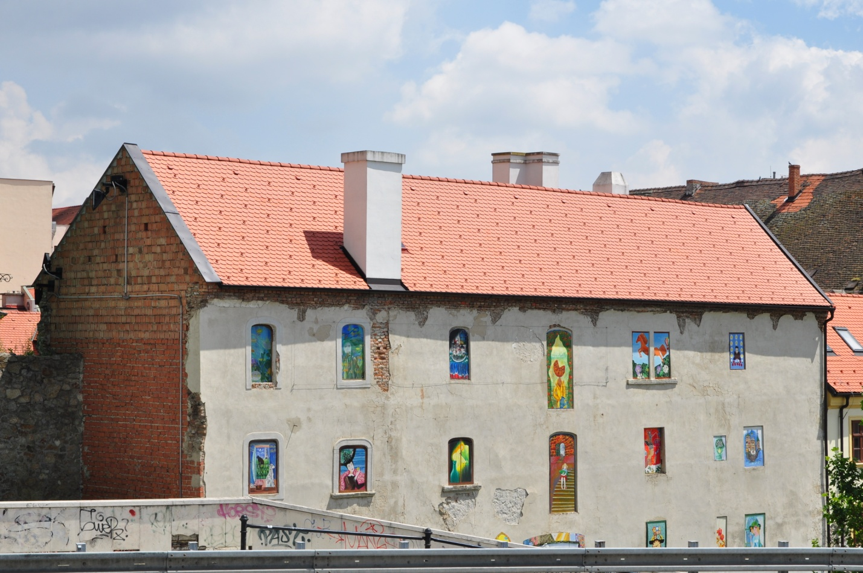 Дом с картинами вместо окон, Братислава