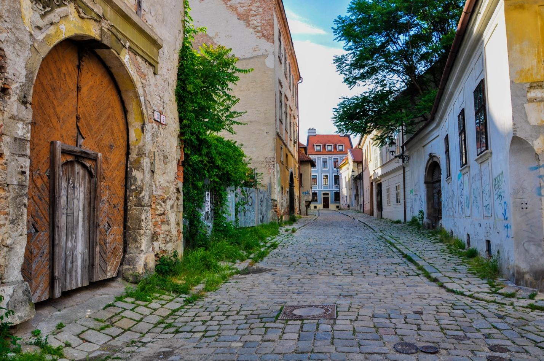 Улочка старого города Братиславы