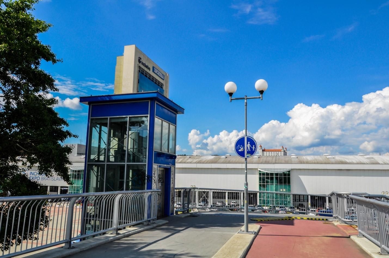 Лифт на мосту в Братиславе